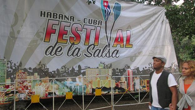 Un festival de salsa pone a mover a los bailadores en La Habana. (14ymedio)