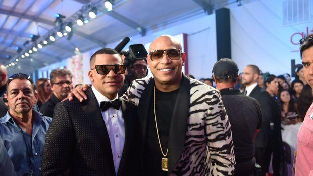 Gente de Zona obtuvo tres premios en la 28 gala de los premios Billboard de la Música Latina. (Gente de Zona)