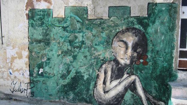 Para pintar, Yulier elige paredes y lugares destruidos. Trata de darles algún valor estético y así promover en un futuro un movimiento de arte urbano