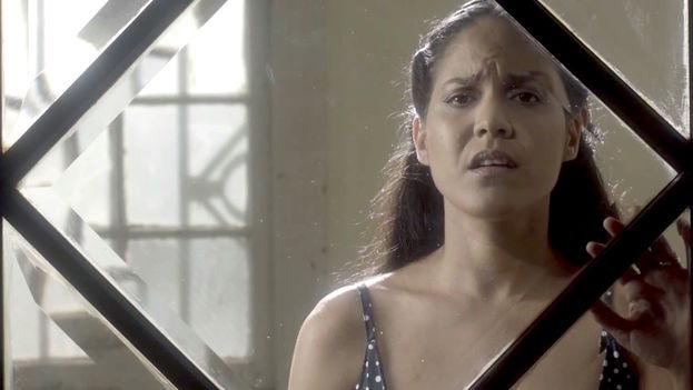 Haydeé Milanés en el videoclip Canción fácil dirigido por Fernando Pérez