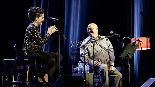 Haydée Milanés y su padre Pablo en concierto. (haydeemilanes.com)