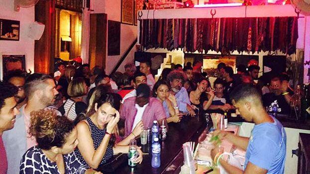 Interior del local de ocio nocturno Siá Kará, en La Habana, en donde estuvo el escritor Rubén Gallo y cuyas vivencias recogió en 'Teoría y práctica de La Habana'. (paseosporlahabana.com)