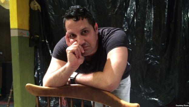 Erom Jimmy, dramturgo y director de escena, presenta en Miami 'Las criadas'. (Jorge Ignacio Pérez)