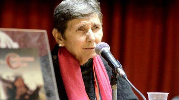 La poeta y ensayista Lina de Feria ha recibido este viernes el Premio Nacional de Literatura de Cuba. (En24)