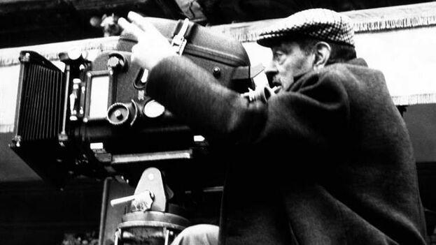 Tres películas de Luis Buñuel figuran entre los título elegidos para ser recordados en la sección de clásicos de la 72 edición del Festival de Cannes. (EFE/Archivo)
