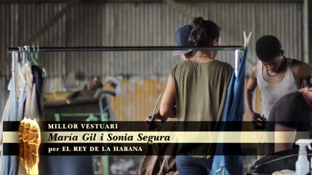 María Gil y Sonia Segura se alzaron con el premio a mejor vestuario por 'El rey de La Habana'. (@academiacinecat)