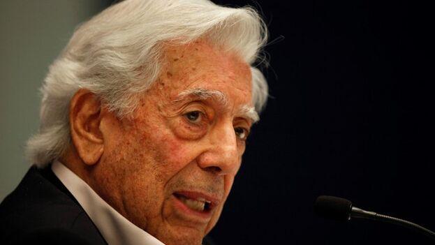 El escritor peruano Mario Vargas Llosa. (EFE/Francisco Guasco/Archivo)