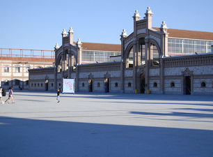 La plaza del Matadero da cabida a las actividades al aire libre. (Rosa Pascual)