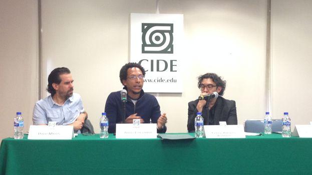 David Miklos, Ahmel Echevarría y Carlos Alberto Aguilera durante el encuentro organizado por el CIDE en la Ciudad de México. (14ymedio)