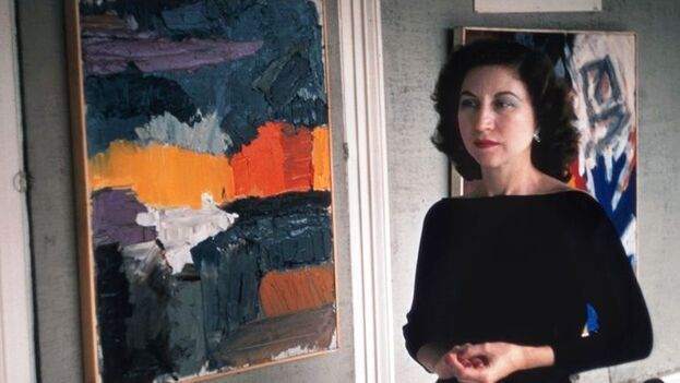 Nela Arias-Misson junto a una de sus obras. (14ymedio)