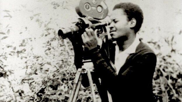 Nicolás Guillén Landrián falleció en 2003. Meses antes, la Muestra de Jóvenes Realizadores le había realizado un homenaje. (panoramas.pitt.edu)