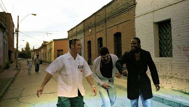 El grupo cubano de hip-hop Orishas se reúne siete años después que Yotuel, Ruzzo y Roldán siguieran sus carreras en solitario. (Facebook)