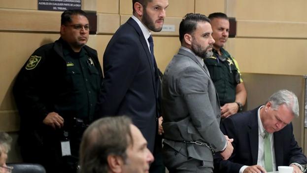 Pablo Manuel Ibar, hijo de un pelotari vasco y una trabajadora del sector eléctrico de La Habana, es detenido en 1994 por su aparente similitud física con uno de los perpetradores del asesinato de un empresario de Florida. (EFE)