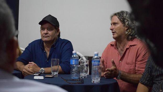 Jorge Perugorría, presidente del Festival Internacional de cine de Gibara, y Sergio Benvenuto Solás, director artístico del Festival, en la rueda de prensa de presentación del evento. (Facebook)