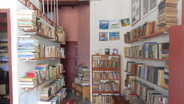 El interior de la librería La piedra lunar. (14ymedio)