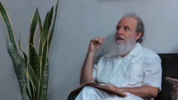 Rafael Almanza durante la celebración del último encuentro de la Peña del Júcaro Martiano. (Henry Constantin)