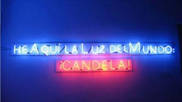 Poema visual 'De las consignas-Luces de Neón 1', del cubano Rafael Almanza; realización del neón del artista Lester Álvarez. (Betania)