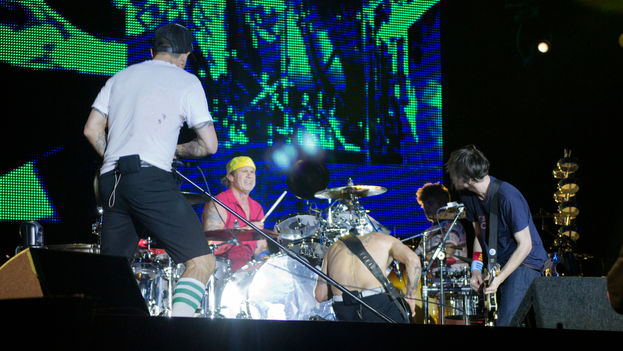 La banda estadounidense Red Hot Chilli Peppers durante un concierto en Madrid en 2012. (CC)