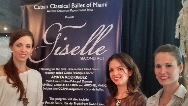 Amaya Rodriguez, Massiel Alonso y Mayrel Martínez, en Miami durante la presentación de 'Giselle'. (Cuban Classical Ballet of Miami/Facebook)