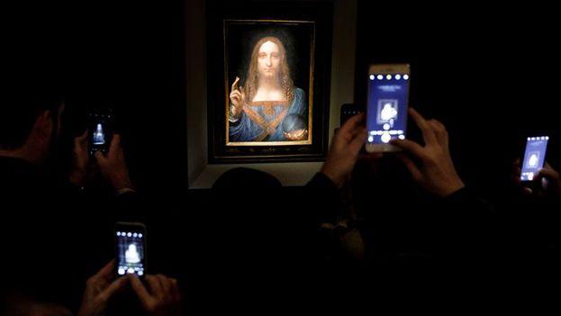 'Salvator Mundi', la obra más cara de la historia, durante una vista previa a la subasta. (EFE/ Justin Lane)