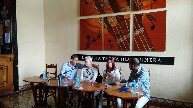 Paul Seaquist, Vladimir Malakhov, Maricel Godoy y el periodista Edgard Ariel González, moderador en la conferencia de prensa. (14ymedio)