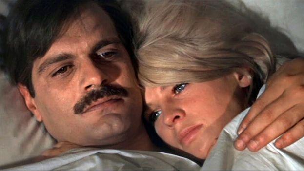 Omar Sharif como Yuri Zhivago y Julie Christie como su amante, Lara. (CC)