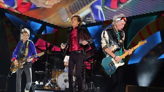 La legendaria banda de rock británica The Rolling Stones en su concierto de este viernes en La Habana. (EFE)