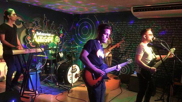 La banda de rock The Shepal se presenta durante semana en El Submarino Amarillo de La Habana. (14ymedio)