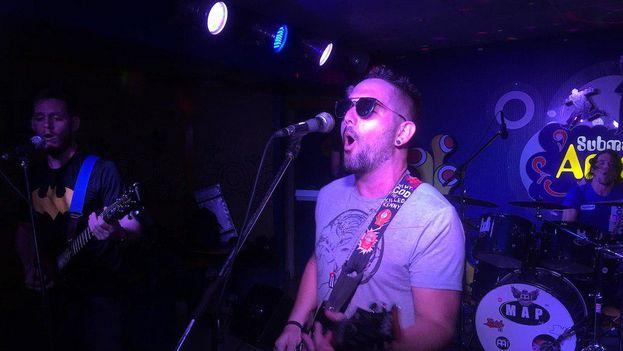La banda de rock The Shepal se presenta entre semana en 'El Submarino Amarillo' de La Habana. (14ymedio)