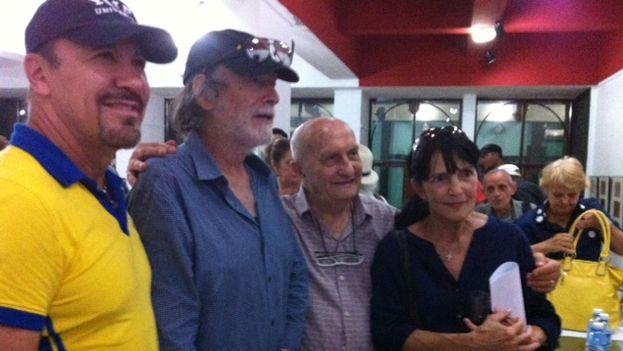 Durante la conferencia de prensa, Héctor Noas, Tomés Milián, Mando Martinelli y Eslinda Nuñez