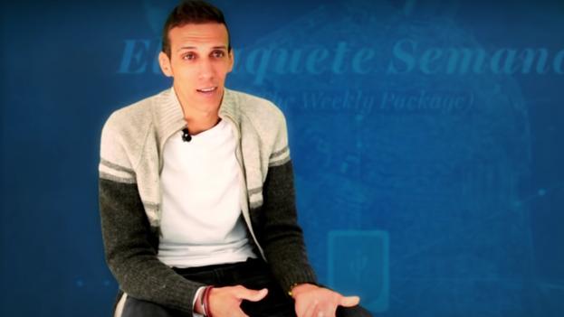 """""""El Transportador"""" es el creador del 'paquete' audiovisual cubano. (Youtube)"""