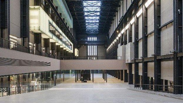 La muestra se desarrolla en la sala de Turbinas del museo de arte contemporáneo de Londres. (Tate Modern)