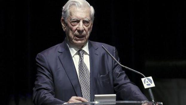 El escritor Mario Vargas Llosa, en una intervención en Casa América de Madrid. (EFE)