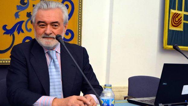 Darío Villanueva durante una conferencia en la Universidad de Castilla La Mancha (España) a principios de marzo. (RAE)