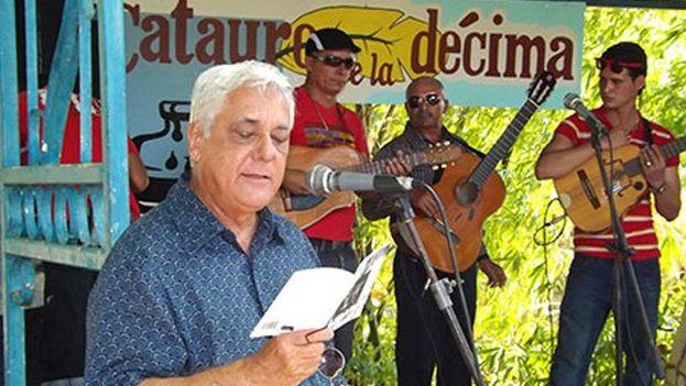 """Virgilio López Lemus señaló que la poesía para él es """"trabajo, dedicación y entrega absoluta"""". (@26deLasTunas)"""