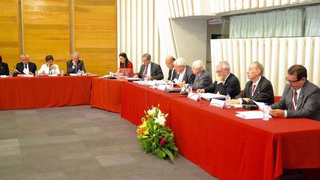 La mesa presidencial del XV Congreso de la Asociación de Academias de Lengua Española. (RAE)