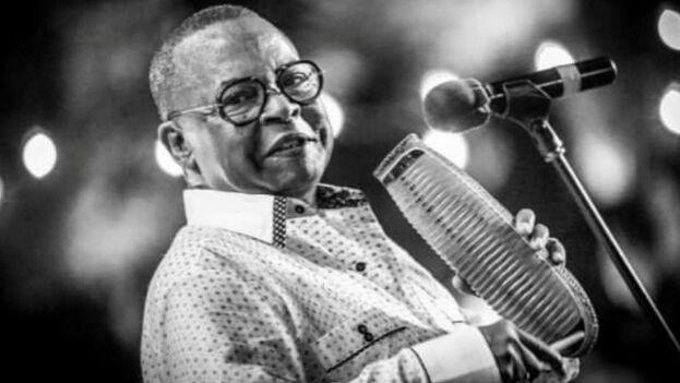 El sonero, compositor, arreglista y director de orquesta Adalberto Álvarez falleció a los 72 años. (Nathadread/Facebook)
