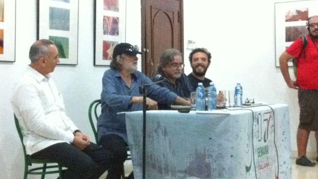 La conferencia de prensa del actor Tomás Milián. (14ymedio)