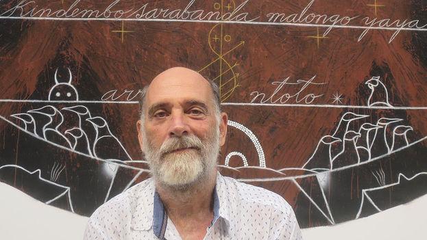 El curador y crítico de arte Orlando Hernández Pascual. (14ymedio)