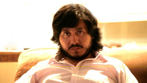El ecuatoriano Ernesto Carrión se alzó con el premio de novela por 'Incendiamos las yeguas en la madrugada'. (CC)