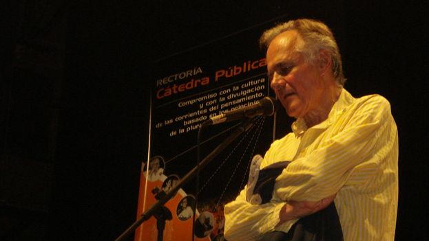 El escritor Fernando Vallejo