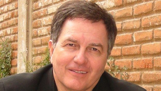 El escritor e intelectual chileno Roberto Ampuero. (Wikicommons)