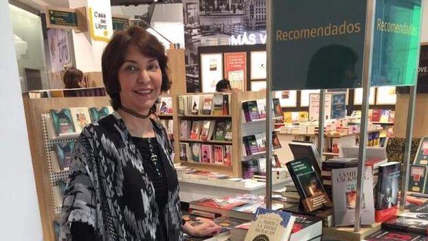 La escritora cubana opina que, dado el peso de la lengua española en Florida, debería haber también distintas categorías para libros en español. (EFE)