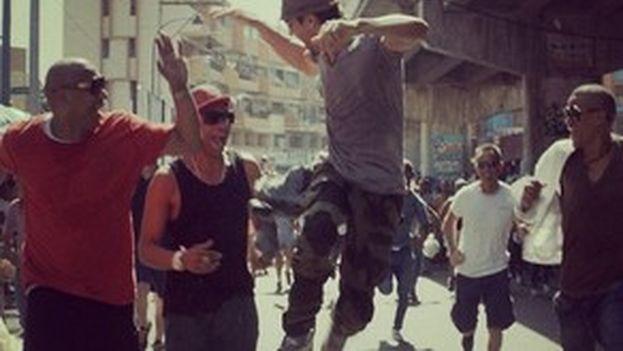 Un fotograma del videoclip 'Bailando', dirigido por Alejandro Pérez.