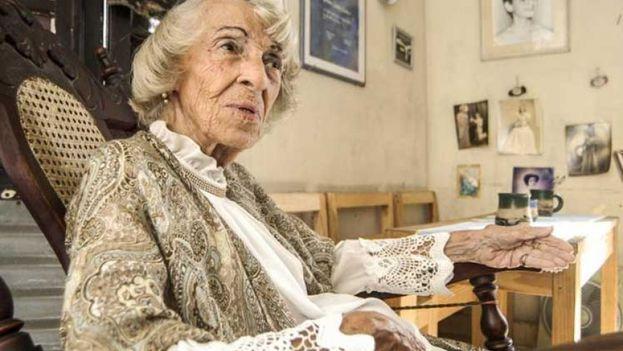 La actriz, galardonada este martes, es hija de madre cubana y padre español. (ANC)