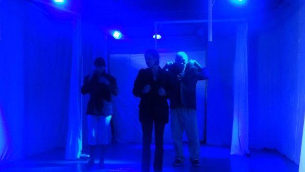 El grupo Teatro del espacio interior durante un ensayo. (14ymedio)