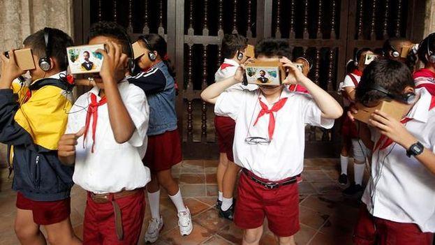 La iniciativa fue estrenada este jueves en La Habana en el que fue el primer acto oficial de la compañía tecnológica estadounidense en el país. (EFE)
