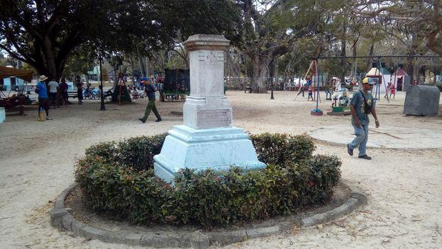 Otro monumento robado fue el dedicado a las madres donado por la Gran Orden de La Perseverancia a la ciudad de Camagüey. (14ymedio)