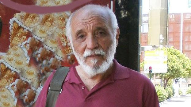 El poeta Rafael Alcides. (Regina Coyula/lamalaletra.com)
