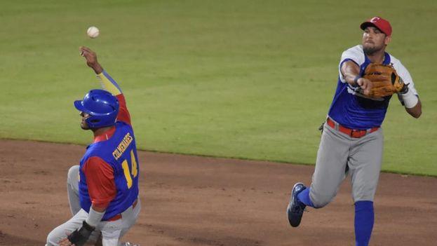 El equipo de Cuba cayó ante Venezuela en uno de los partidos de béisbol de los juegos Centroamericanos y del Caribe. (El Heraldo)